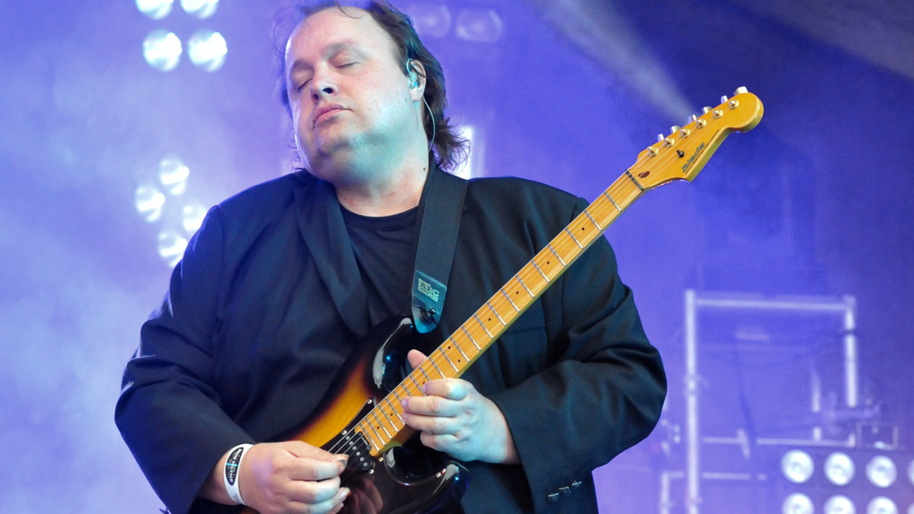 Steve Rothery – Cruise to the Edge Feature #3