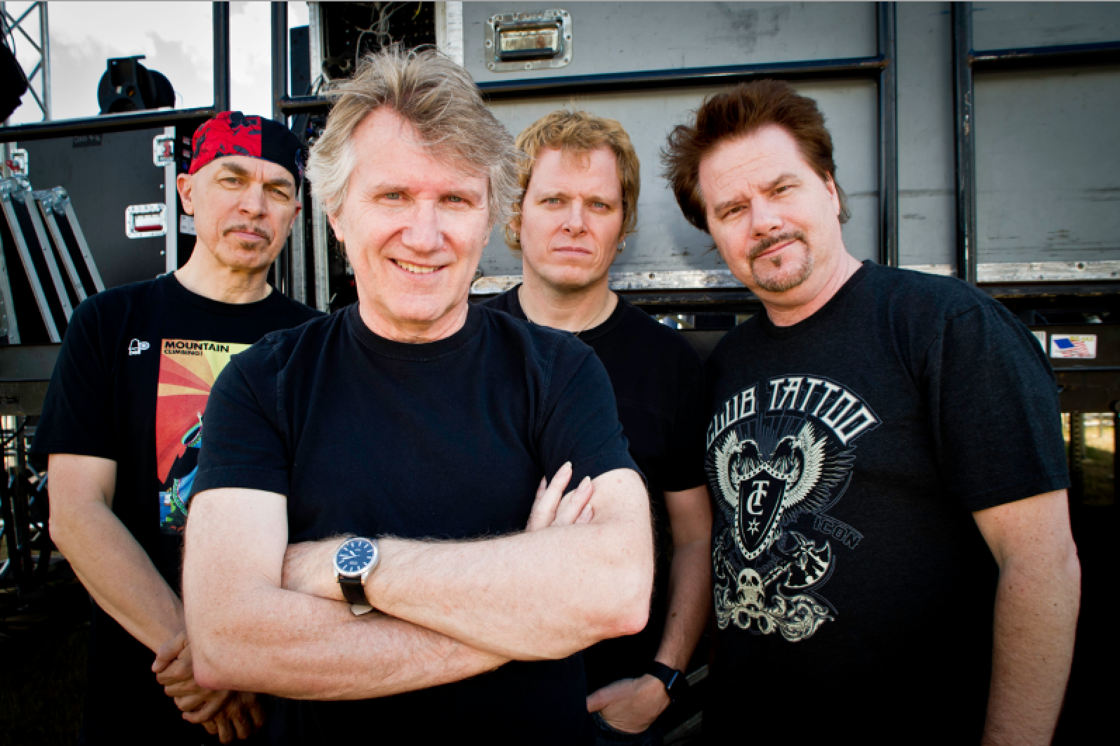 "Rik Emmett releases new track ""I Sing"" featuring James Labrie"