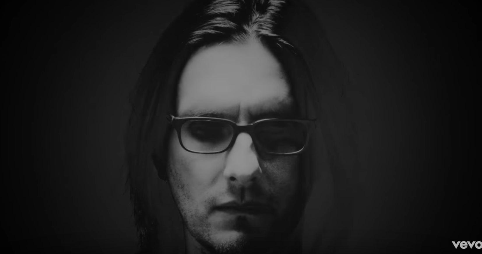 "Steven Wilson – ""Pariah"" (Official Video)"